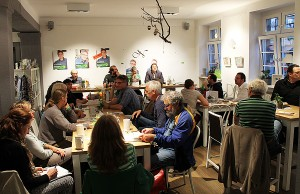 "Parteitag der Grünen im ""Café Balduin"" - volles Haus."
