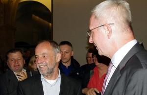 Amtierender und designierter OB - Klaus Jensen und Wahlsieger Wolfram Leibe.