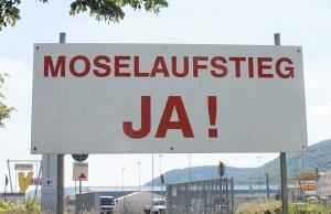 """Jensen plädiert dafür, keine Luftschlösser zu bauen. Er hält """"Moselaufstieg"""" und """"Meulenwaldautobahn"""" für unrealistisch."""
