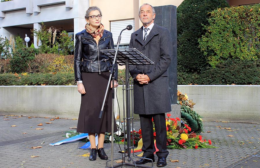 Jeanna Bakal und Oberbürgermeister Klaus Jensen.