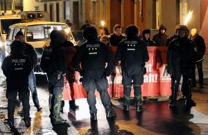 Gespenstige Szenerie: Fackelmarsch der NPD am Freitagabend in Euren.