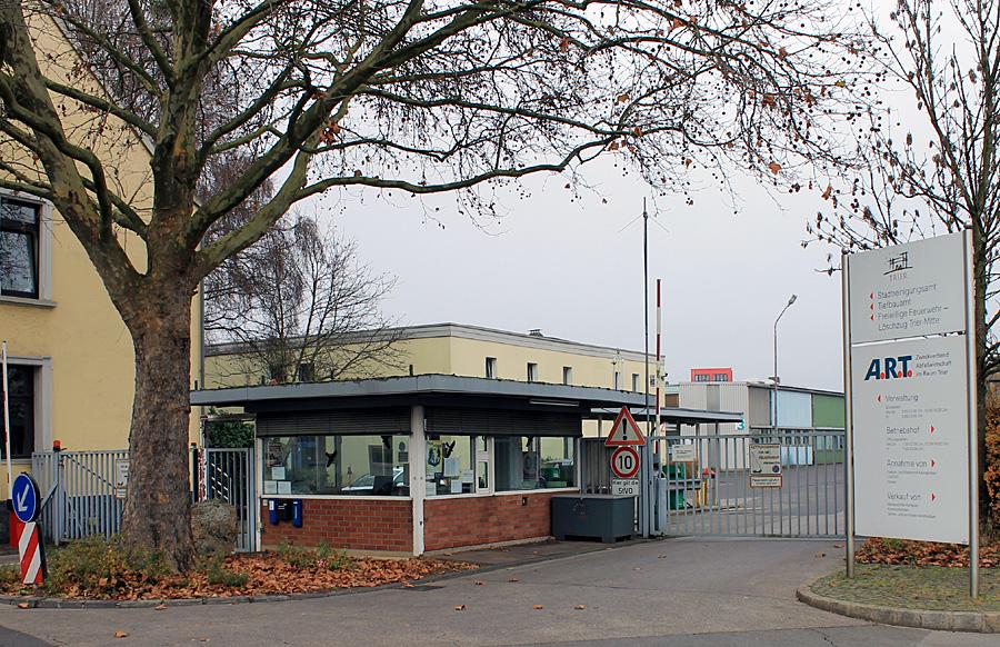 CDU und Grüne wollen den Neubau auch gegen den Stadtratsbeschluss und den gültigen Bebauungsplan am ART-Standort in der Löwenbrückener Straße dutchsetzen.