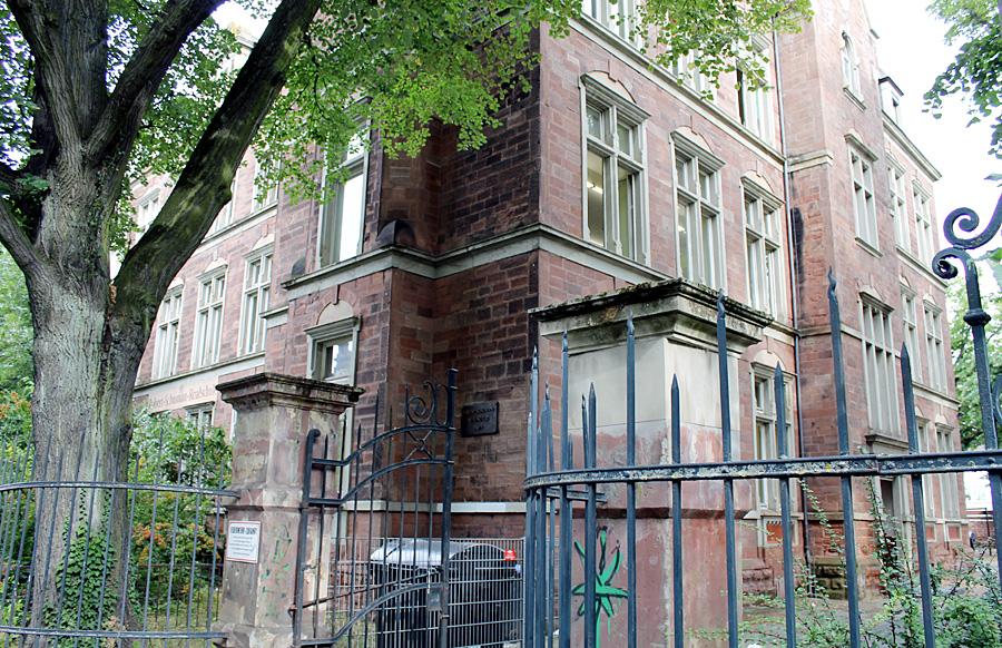 Die Sanierung des Robert-Schuman-Gebäudes in der Kaiserstraße wird voraussichtlich 4,3 Millionen Euro kosten.