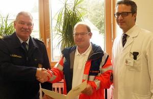 Axel Schneider (Mitte) ist neuer Leitender Notarzt. Foto: Berufsfeuerwehr Trier