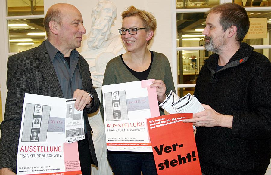 Gegen das Vergessen - Rudolf Fries, VHS, Ulrike Winter von  der AGF und Jörg Zisterer, ESG, stellten am Donnerstag das Veranstaltungs-Programm vor. Alle Fotos: Gabi Böhm