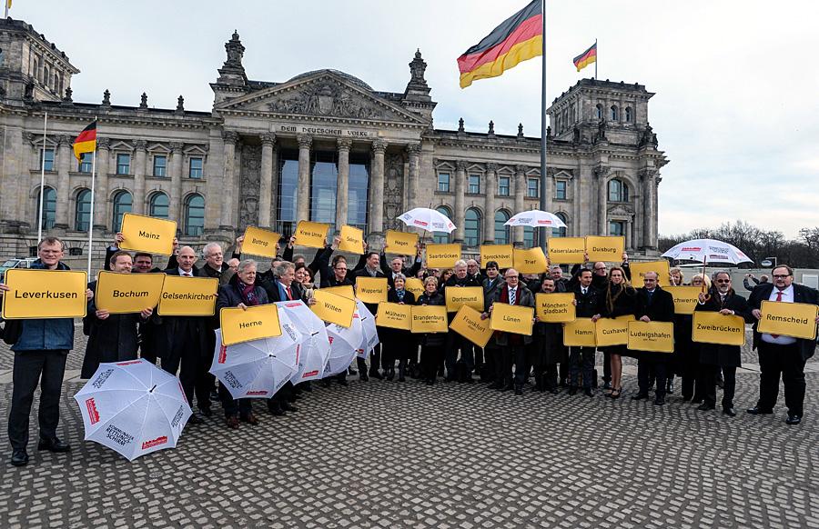 Protest vor dem Reichstag gegen die finanzielle Misere der Städte. Foto: Walter Schernstein/Stadt MH