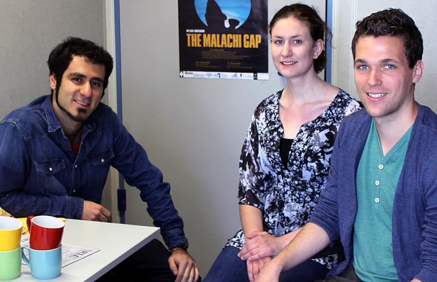 Ammar Bustami, Jana Schollmeier und Martin Weiler vom Vorstand der Refugee Law Clinic Trier (v.l.).