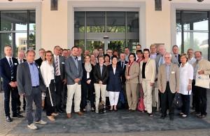 Die Teilnehmer des Arbeitskreises vor dem Trierer Rathaus.