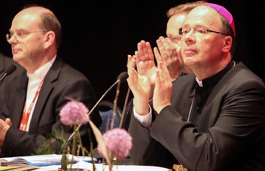 Arbeit und Empfehlungen der Synode hätten seine Erwartungen übertroffen, sagte der Trierer Bischof Dr. Stephan Ackermann. Foto: Bistum Trier