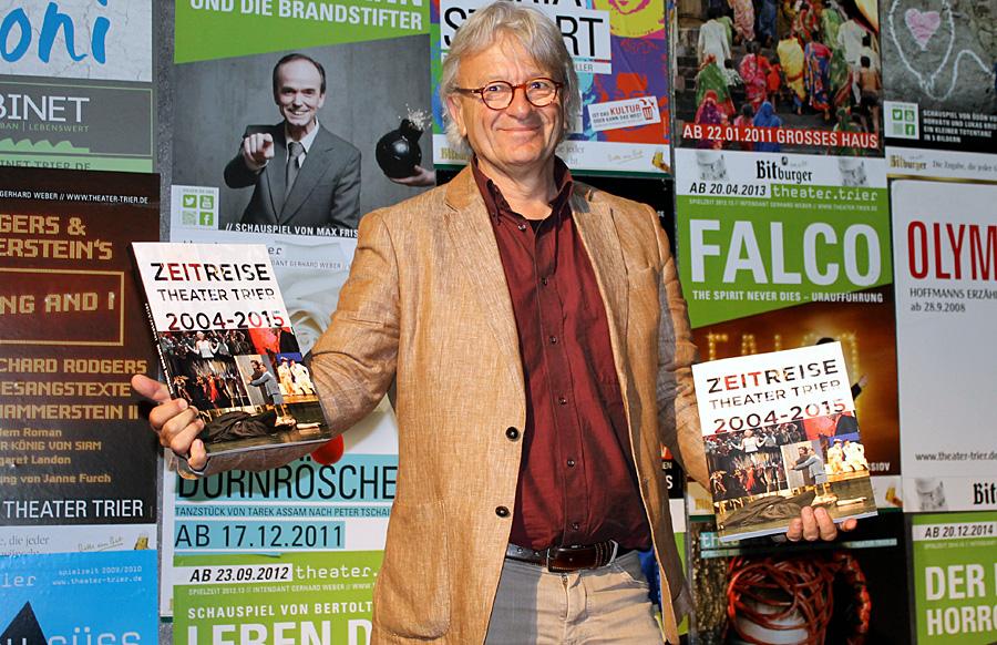 """Seine ZEITREISE geht bald zu Ende: Gerhard Weber sagt mit seinem Buch """"Servus""""."""