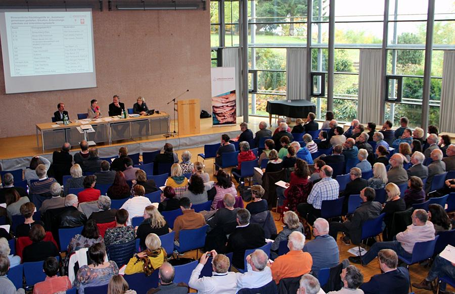 Großes Interesse und volles Haus bei der 3. Flüchtlingskonferenz im Bistum Trier. Foto: Bistum Trier