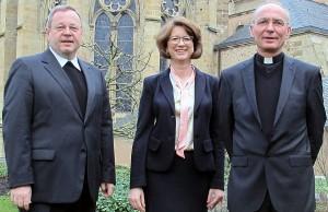 Generalvikar Dr. Georg Bätzing (links), Mechthild Schabo und Msgr. Dr. Michael Kneib. Foto: Bistum Trier