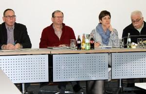 Thiébaut Puel (rote Weste) leitete die Sitzung für den erkrankten Thomas Egger.