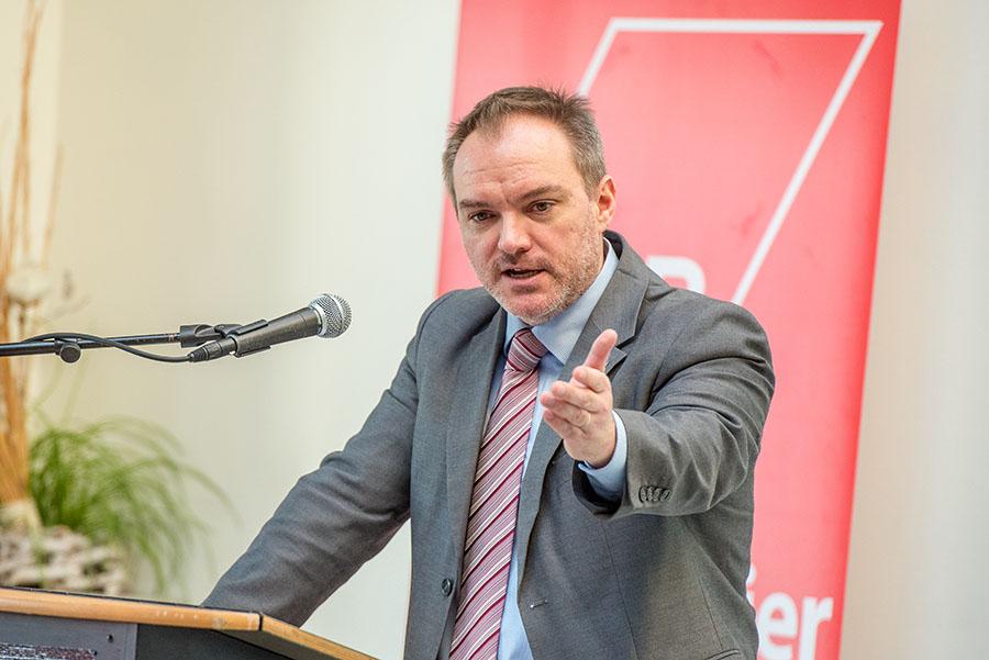 Christian Z. Schmitz geht mit einzelnen Unternehmern und der Politik hart ins Gericht. Alle Fotos: Rolf Lorig