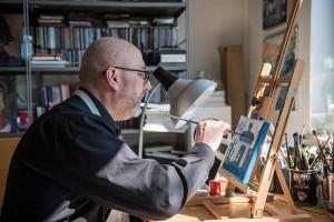 In der Zurückgezogenheit seines Ateliers arbeitet Josef Hammen an seinen Trier-Motiven.