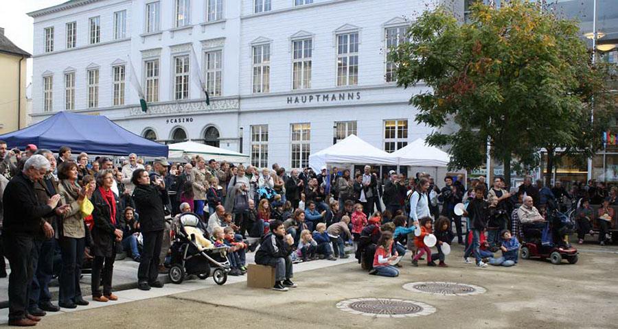 Besucher beim City Campus. Foto: Universität Trier