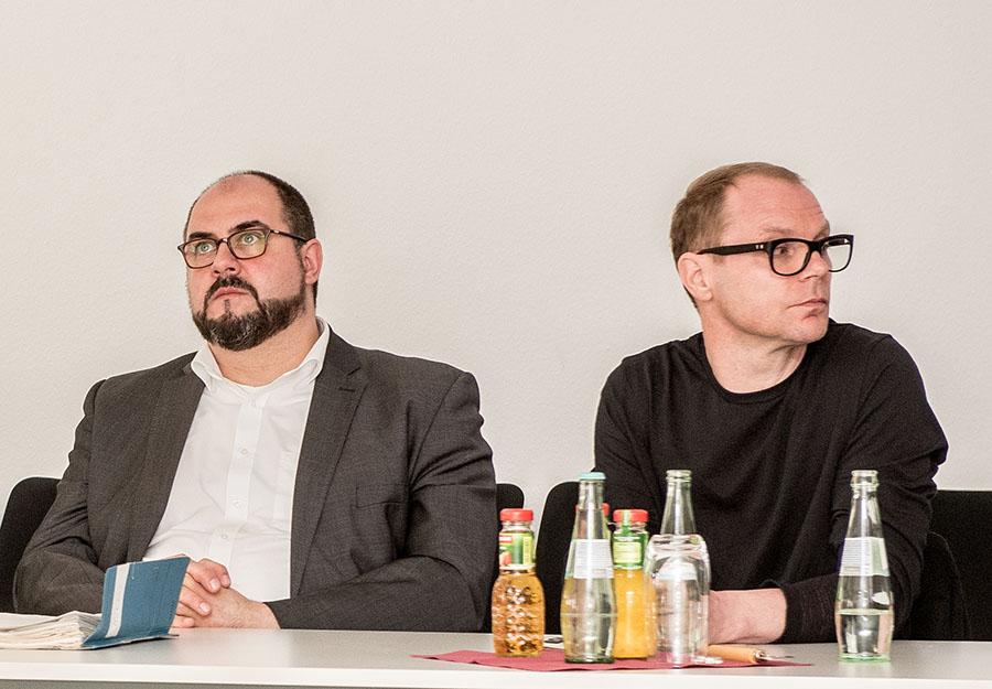 Thomas Egger (links) habe zu lange die Zügel schleifen lassen, kritisieren die Grünen. Die CDU sieht den Dezernenten nun gefordert. Foto: Rolf Lorig