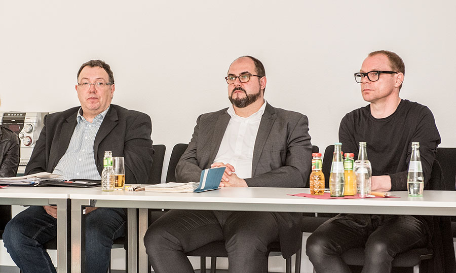 Drei, deren Zeit definitiv abgelaufen sein muss: Kulturamtsleiter Roman Schleimer, Dezernent Thomas Egger und Intendant Karl Sibelius. Foto: Rolf Lorig