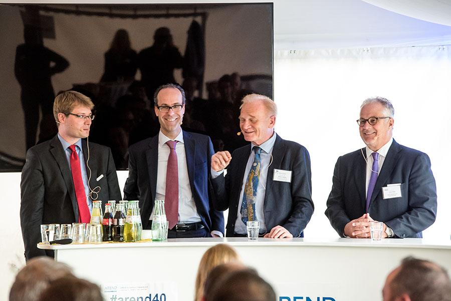 Über die Möglichkeiten von Industrie 4.0 sprechen die Professoren Jörn Bloch, Frank Piller, Martin Eigner und Axel Haas. Foto: Rolf Lorig