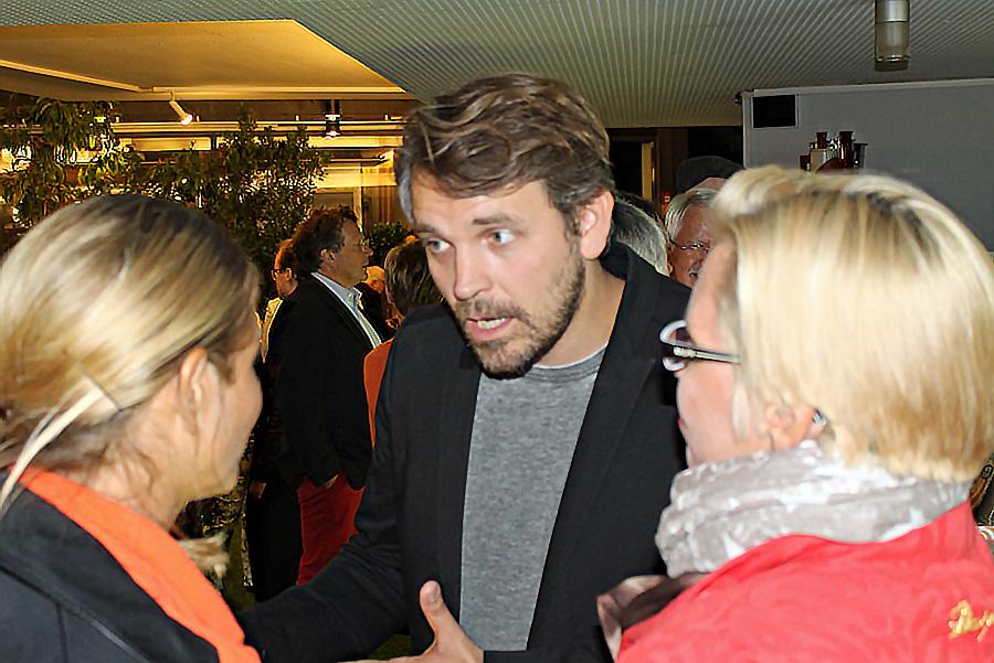 """Auch Thorleifur Örn Arnasson, Regisseur von """"Ur_"""" und """"Molière"""" spricht sich für die Rückkehr von Schauspieldirektor Ulf Frötzschner ans Theater aus."""