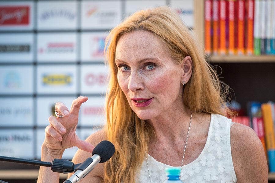 """Andrea Sawatzki liest aus ihrem Buch """"Der Blick fremder Augen"""""""