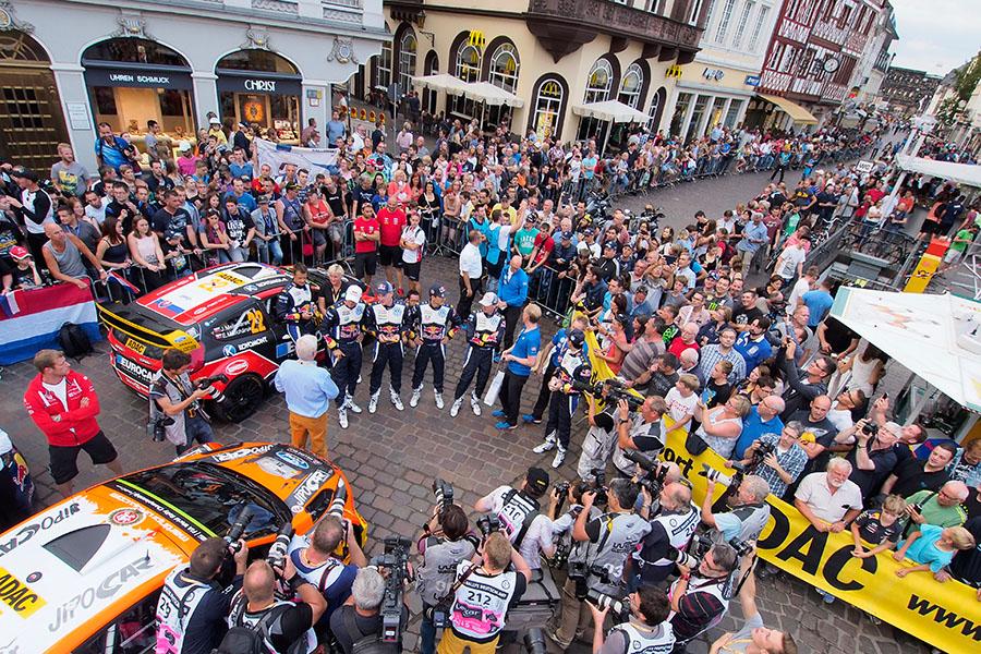 Zu Gast in Triers guter Sube, dem Hauptmarkt: die Akteure der ADAC Rallye Deutschland. Foto: ADAC