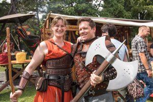 Julia Pöpelt und Frank Simpelkamp sind begeisterte Besucher der Mittelaltertage.