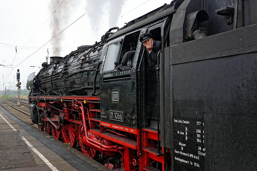 Die 01 1066 der Ulmer Eisenbahnfreunde wurde 1939 bei der BMAG in Berlin gebaut Foto: Marcus Henschel