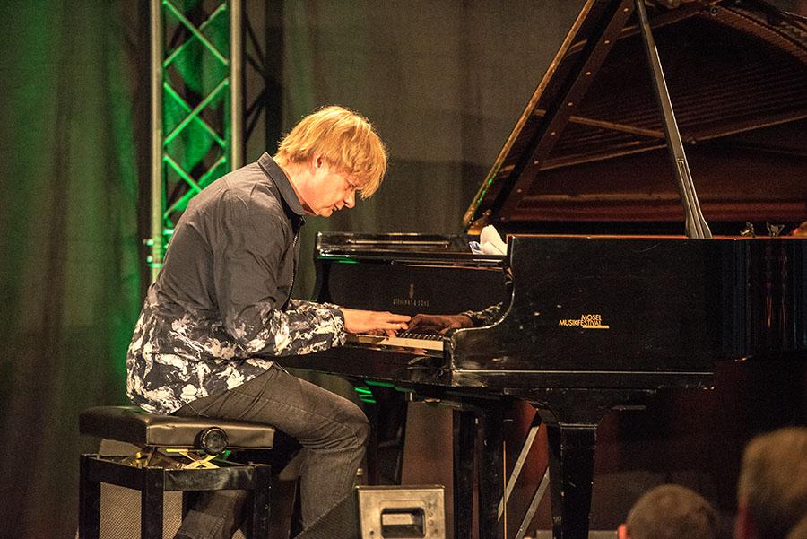 Ein großartiger Pianist mit unendlich viel Gespür. Foto: Rolf Lorig