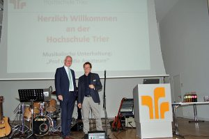 Leibe und Kuhn eröffneten das Semester an der Hochschule. Foto: HS Trier