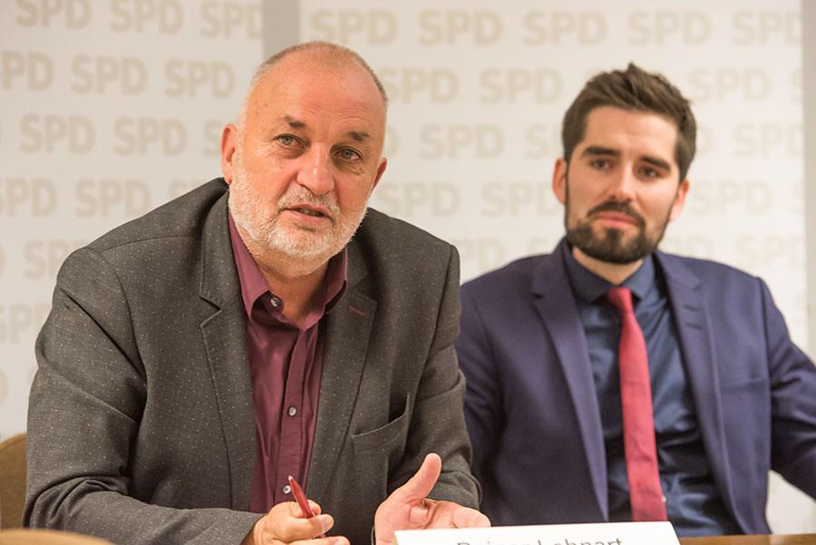 Fraktionsvize Rainer Lehnart und SPD-Parteichef Sven Teuber begründeten den Vorstoß der Sozialdemokraten. Foto: Rolf Lorig