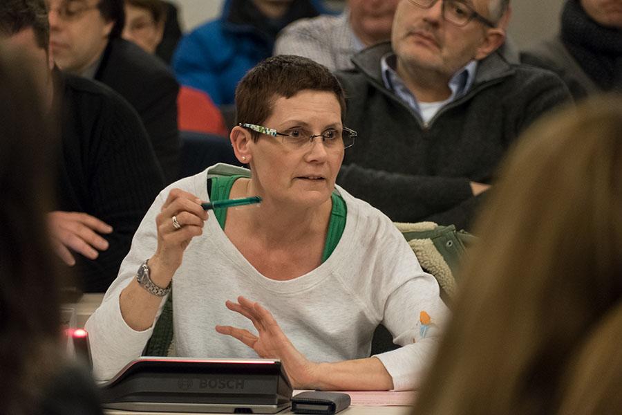 Die Grünen, hier Fraktionschefin Petra Kewes, sind nicht die Hoffnung, sondern das größte Trierer Problem. Foto: Rolf Lorig