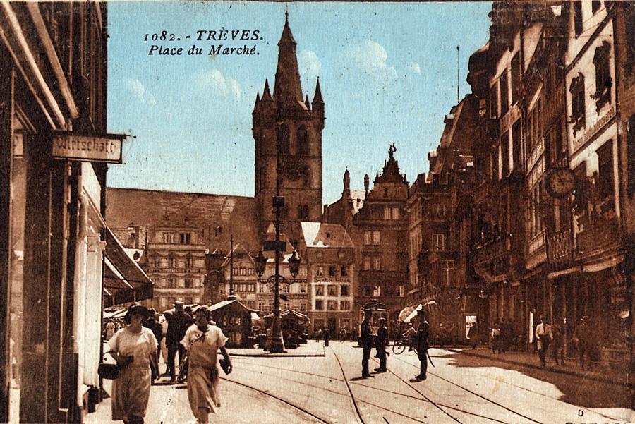 Postkarte mit Motiv des Hauptmarkts, 1. Hälfte 1920er-Jahre. Foto: Stadtarchiv Trier, Sammlung Hertmanni