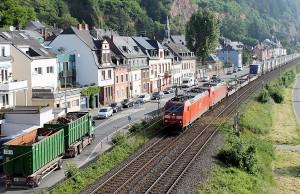 Die Anwohner in Trier-West/Pallien kämpfen nicht nur gegen den Bahnlärm, sondern auch gegen den Schwerlastverkehr in ihrem Stadtteil.