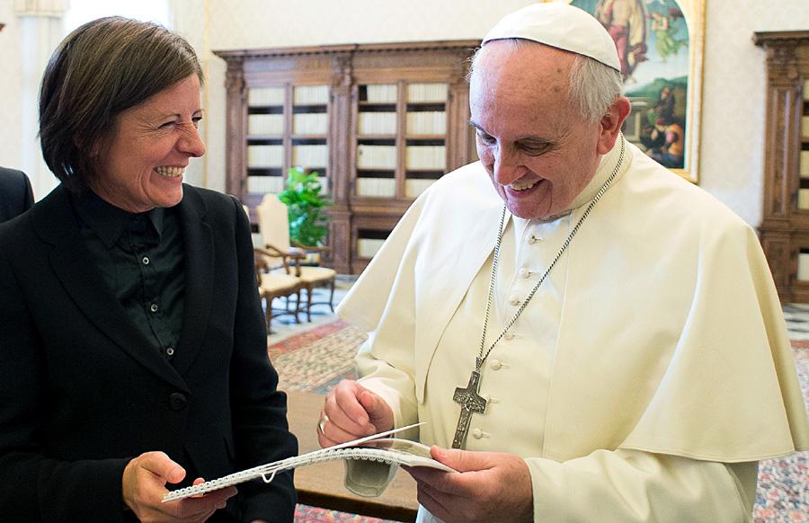 Ein Lächeln für den Pontifex: Dreyer und Franziskus. Foto: Osservatore Romano