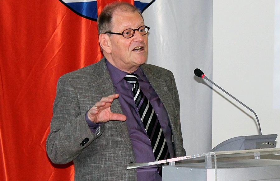 Prof. Dr. Oscar W. Gabriel von der Universität Trier sieht im Wunsch der Bürger nach mehr Mitbestimmung eine der größten Herausforderungen für die Politik in den kommenden Jahren.