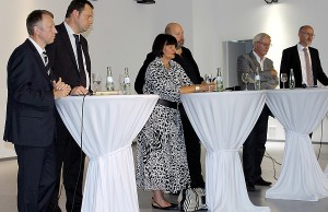 Giesbert Brauner von der Deutschen Bahn (ganz links) dominierte die Diskussion in Euren. Neben ihm Michael Puschel, Simone Kaes-Torchiani, Moderator Dieter Lintz, Thomas Geyer sowie Jürgen Berg (v.l.n.r.).