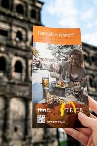 """Die neue Broschüre """"GenießensWert!"""" ist auf dem Markt."""