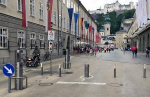 Versenkbare Poller im österreichischen Salzburg - auch Trier soll jetzt seine Poller bekommen.