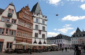 In der Nähe des Hauptmarktes sind die Ladenmieten am höchsten.