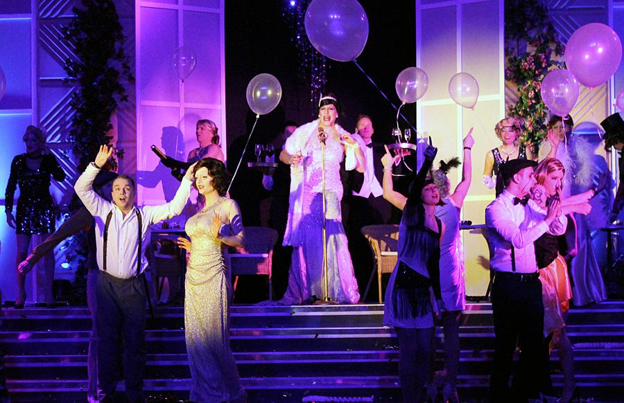 Zischende Zoten in perfekter Show - der Rosa Karneval der Schmit-Z-Family zog alle Register.