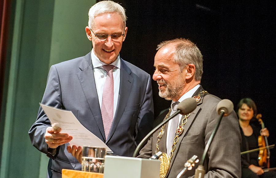 Neuer und alter OB - die beiden Sozialdemokraten Wolfram Leibe und Klaus Jensen