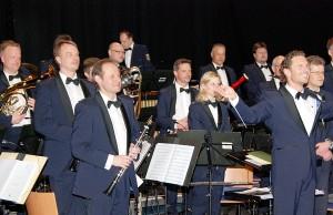 Das Landespolizeiorchester Rheinland-Pfalz mit Dirigent Stefan Grefig. Foto: Polizei Trier