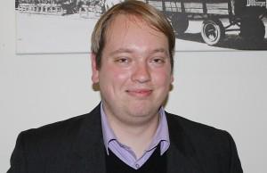 FDP-Chef Tobias Schneider fährt schweres Geschütz gegen CDU und Grüne auf: Das Bündnis spiele mit Menschenleben, sagt der Liberale.