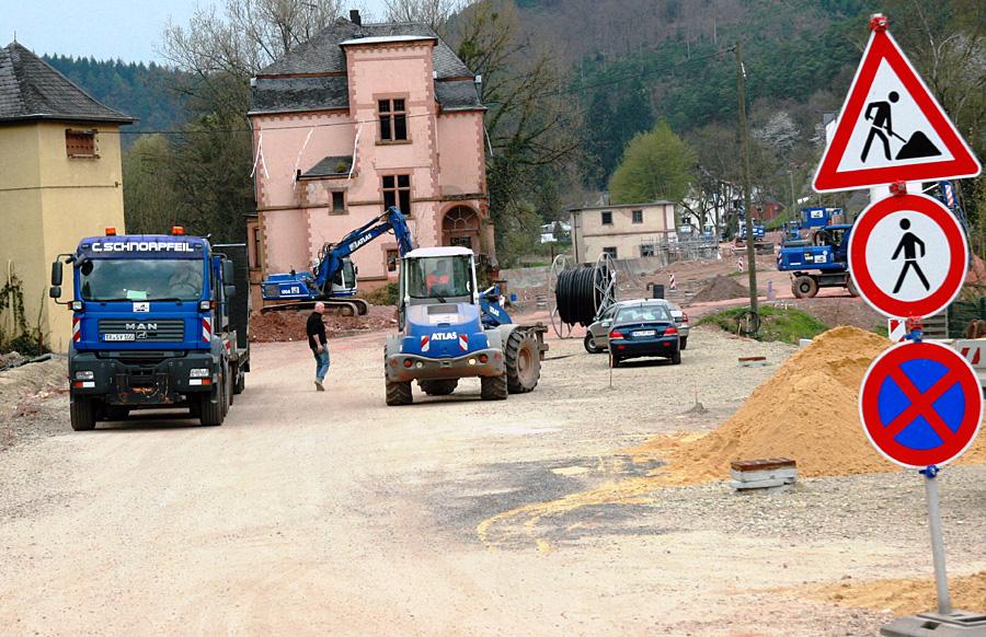 Die neue Trasse der B 422 verläuft durch das ehemalige Mühlengelände mit den zwei alten Seifer-Mühlen. Foto: Gabi Böhm