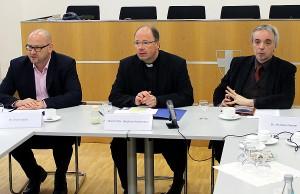 """Ackermann (Bildmitte) hatte schon Anfang des Jahres betont: """"Null Toleranz gegenüber den Tätern!"""" Der Trierer Bischof ist Beauftragter der Deutschen Bischofskonferenz für Fragen des sexuellen Missbrauchs."""