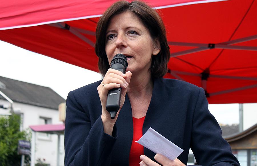 Ministerpräsidentin Malu Dreyer (SPD) verurteilte auf ihrem Rundgang in Trier die Angriffe auf geplante Asylbewerberunterkünfte in Deutschland.