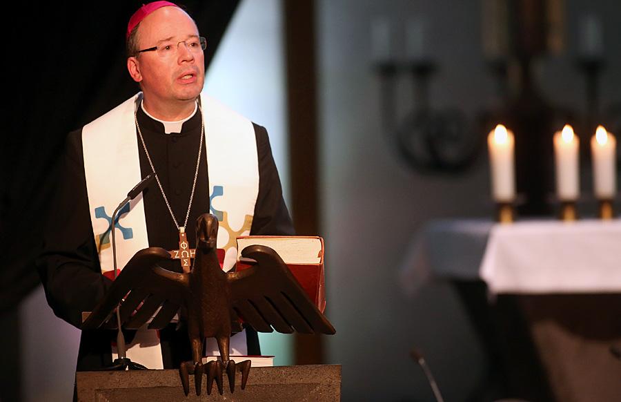 Bischof Dr. Stephan Ackermann wird am kommenden Sonntag die Heilige Pforte zwischen Dom und Liebfrauenbasilika öffnen. Foto: Bistum Trier