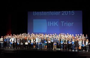 Die Besten wurden am Montagabend im Theater Trier geehrt. Foto: IHK Trier