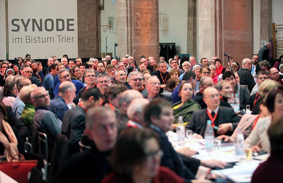 Am zweiten Tag der Vollversammlung haben die Synodalen die Weichen für das Abschlussdokument gestellt. Foto: Bistum Trier